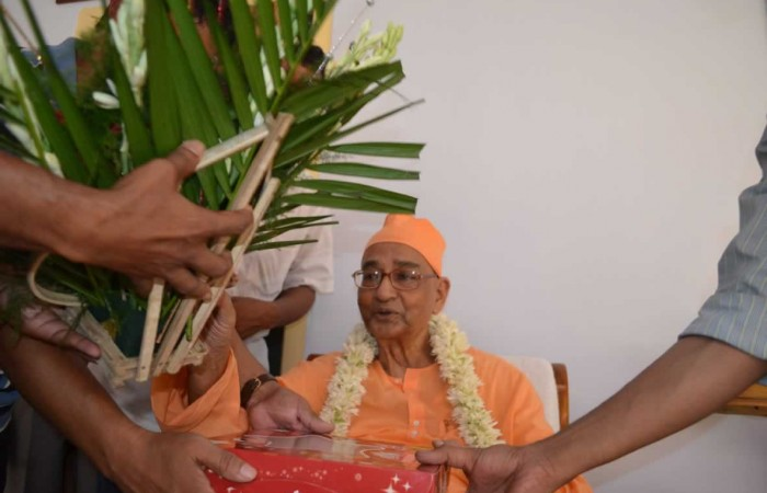 Greetings to SWAMI VAGISHANANDAJI